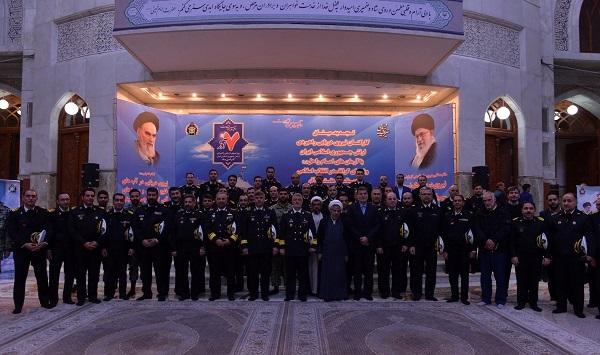قادة القوة البحرية في الجيش الإيراني يجددون العهد مع الإمام الخميني