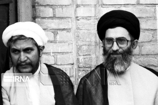 قائد الثورة الإسلامية يعزي بوفاة آية الله صانعي