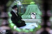 حضور قائد الثورة المعظم في المرقد المطهر للامام الخميني( قدس سره) و روضة الشهداء