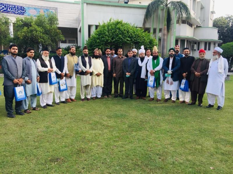 علماء أهل السنة في باكستان يجددون العهد مع مبادئ الإمام الخميني