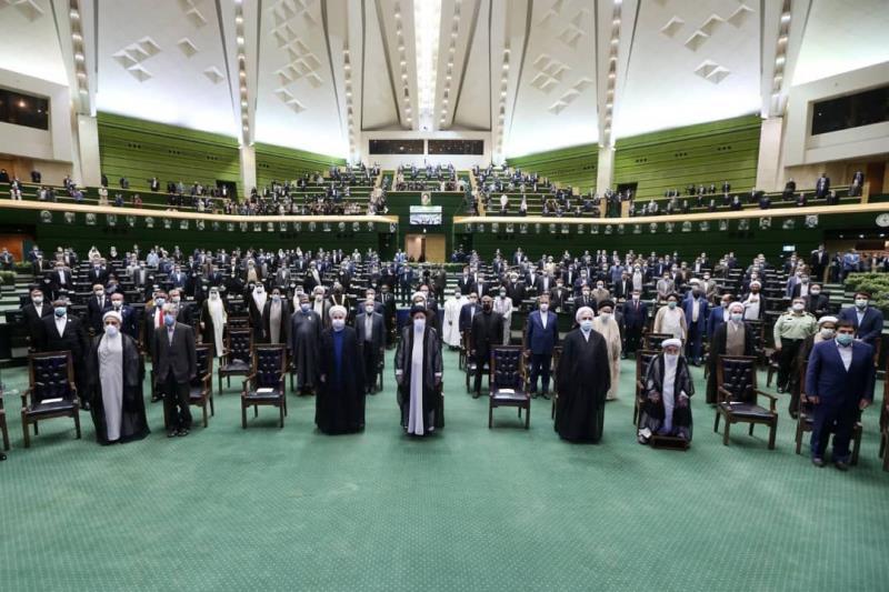 آية الله رئيسي: أمدّ يد الصداقة والاخوة الى دول المنطقة