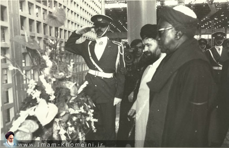 Foreign heads placing flowers on Imam`s shrine