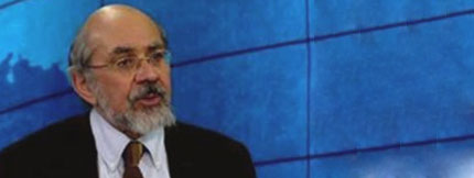 Abrahamian Rejects Orientalists` Idea about Imam Khomeini