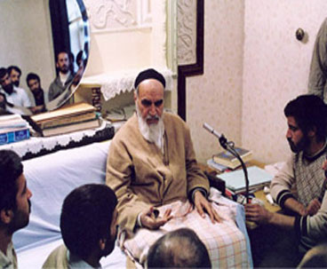 Imam Khomeini Advised Media to Reflect Facts