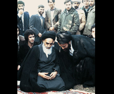 Imam Khomeini Insisted on Spiritual Nature of Revolution