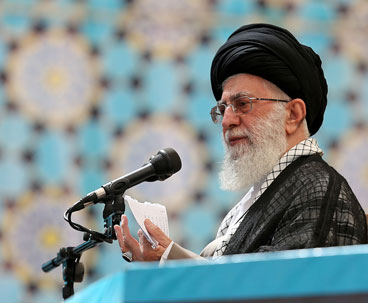 World people feel thirst for Imam Khomeini thought: Leader