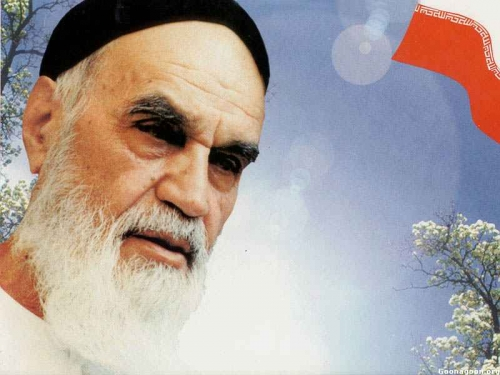 Imam Khomeini Attached Great Significance to Human Dignity