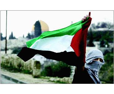 Imam Khomeini's Initiative Kept Palestinian Issue Alive