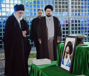 Supreme Leader of Iran Makes a Pilgrimage to Imam`s Holy Shrine