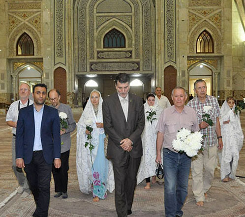 Lithuanian tourists visit Imam Khomeini`s mausoleum