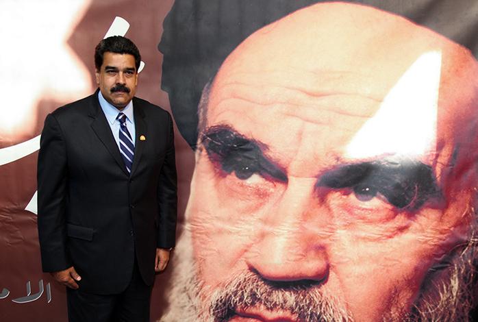 Venezuelan President pays a visit to Imam Khomeini`s house in Jamaran