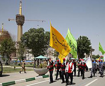 Thousands converge to Imam Khomeini shrine to attend anniversary
