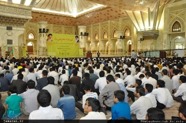 Sessions on Quranic comprehension held at Imam's Mausoleum