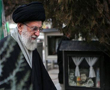 Supreme Leader Pays Visit to Imam Khomeini`s Holy Shrine