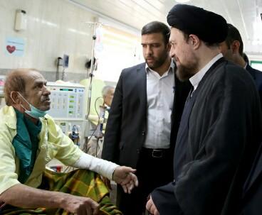 Seyyed Hassan Khomeini visits major pharmacy