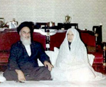 Book Praises Imam Khomeini's Wife Efforts for Revolution