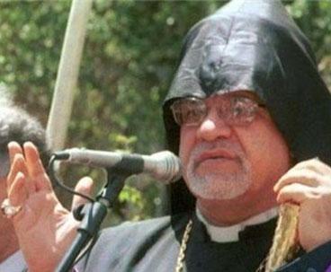 Imam Khomeini raised Iranian status: Armenian archbishop