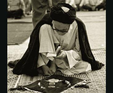 Imam Khomeini lauded late Ayatollah Khatami's piousness