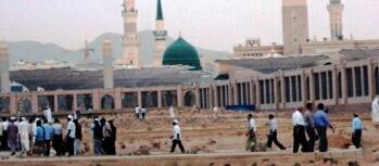 Imam Khomeini underscored Hazrat Fatima's divine virtues