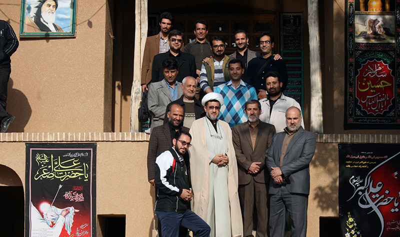 Some of the Iranian officials pay a visit to Imam Khomeini`s house in Jamaran