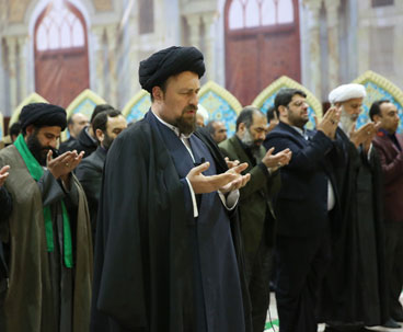 Seyyed Hassan Khomeini leads prayers at Imam Shrine