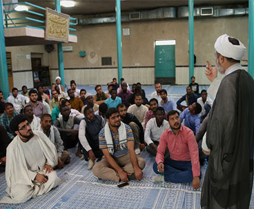 Al-Mostafa University students visit Imam's historic residence