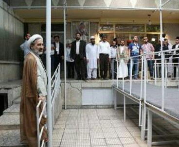 Quranic reciters visit Imam Khomeini's residence