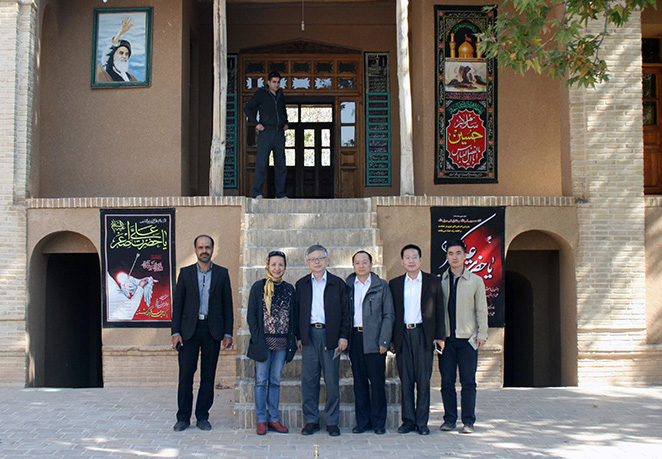 China`s ambassador pays a visit to Imam Khomeini`s historical house in Khomein