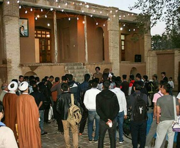 Thousands visited Imam's residence in Khomein