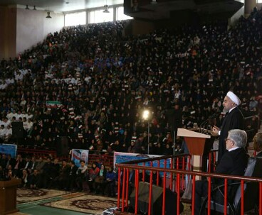 President Rouhani stresses economic boom