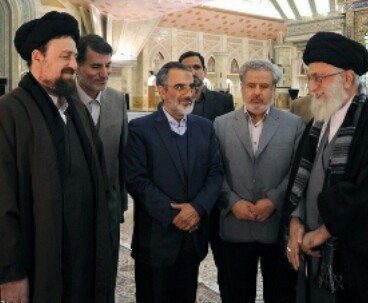 Hassan Khomeini joins supreme leader at Imam holy shrine