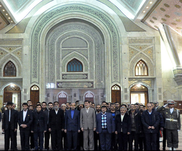 People from various walks of life pledge allegiance to Imam Khomeini ideals