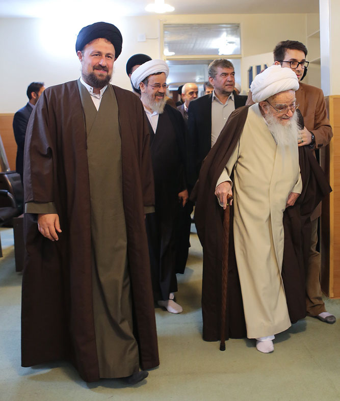 Grand Ayatollah Safi Golpaygani visits Hassan Khomeini residence