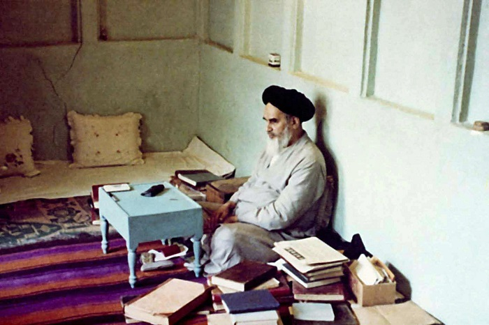 Memorable photos of Imam Khomeini-part 1