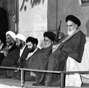 Principles of Imam Khomeini`s dynamic political ideals