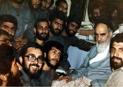 Imam Khomeini confronted aggression, defended nation's dignity