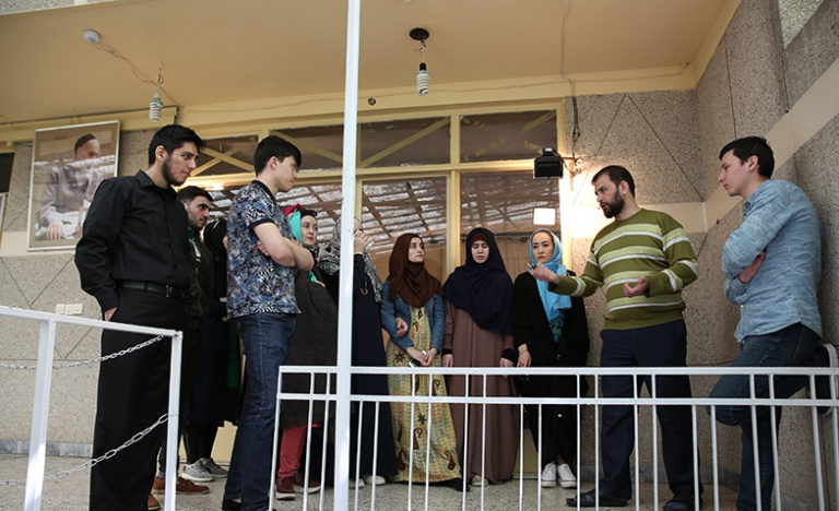 Some Russian university students visit Imam Khomeini's historic residence
