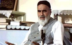 Imam Khomeini while delivering a speech