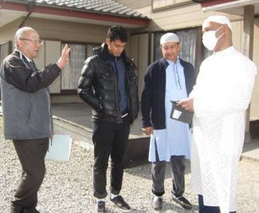 Muslims in Japan reach out to local community