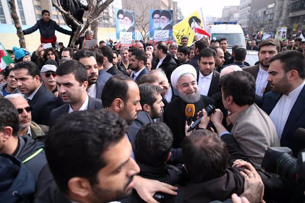 Millions of Iranians pledge allegiance to Imam Khomeini, revolution