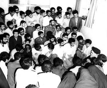 Iranians nationwide marking Student Day