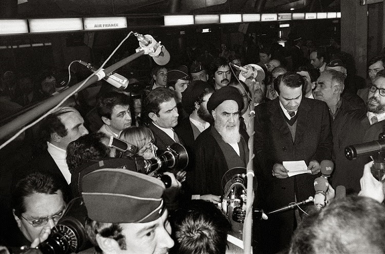 Imam Khomeini and foreign reporters