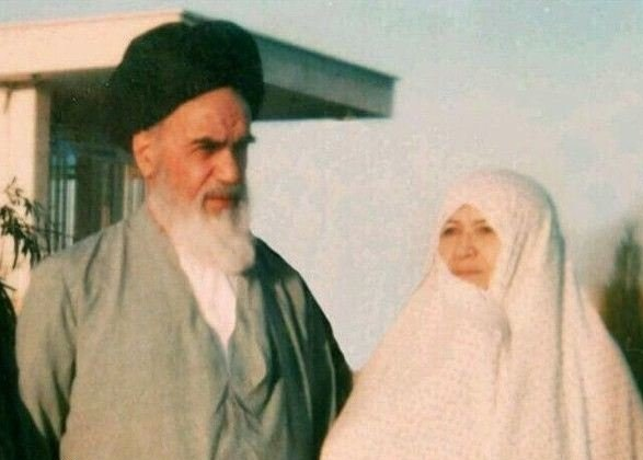 The honorable spouse of Imam Khomeini in pictures