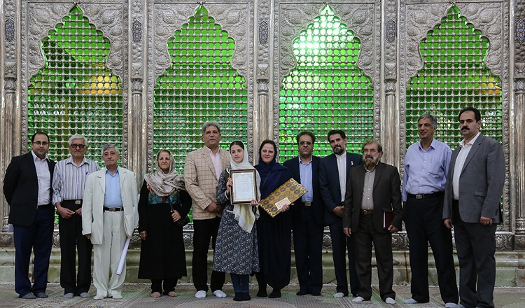 The ceremony to honor Ms. Yukawa Gidaean by divine religions' committee of Imam Khomeini commemoration headquarters