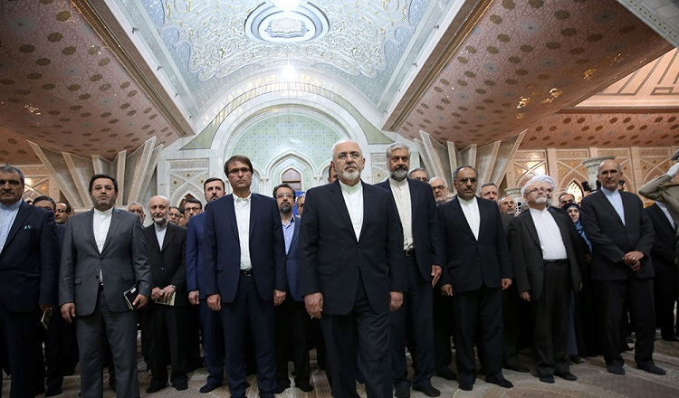 Minister, advisors, ambassadors and head of cultural centers pledge allegiance with Imam Khomeini's ideals