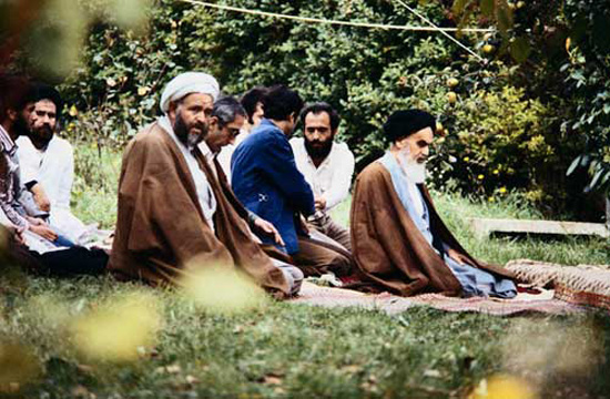 Imam Khomeini recommends reforming the self over reforming others