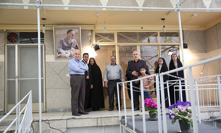 Tourists visit Imam Khomeini's residence in Jamaran during Nowruz