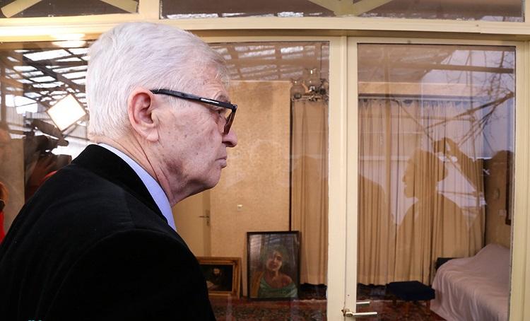 Former Albanian President visits Imam Khomeini`s historic residence in Jamaran