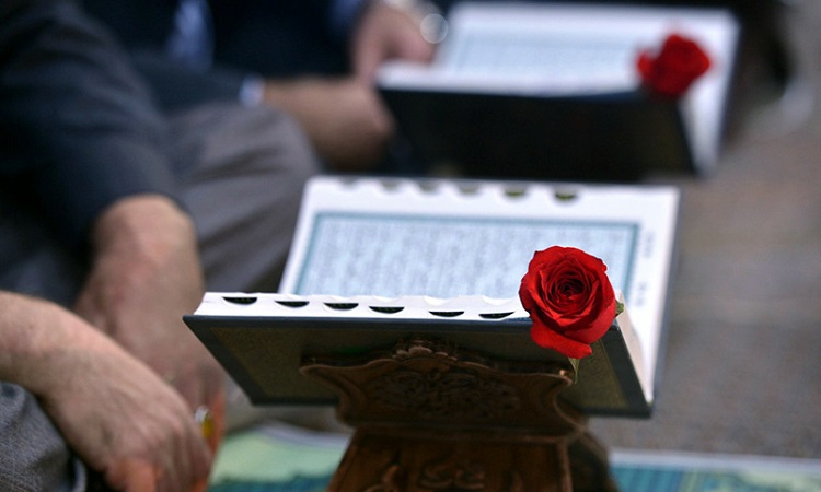 A whole-hearted Quranic session held at Imam Khomeini's shrine during blessed month of Ramadan