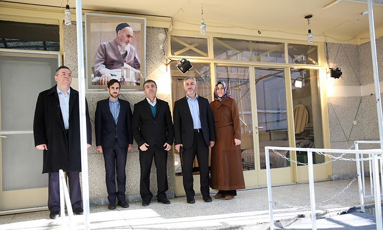 Head of Turkish state inspection agency visits Imam Khomeini's historic residence in Jamaran